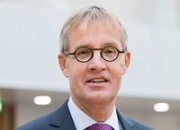 Dr. Arjen van Klink
