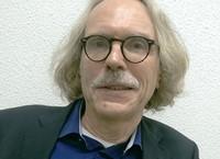 Dr. Ton Bakker